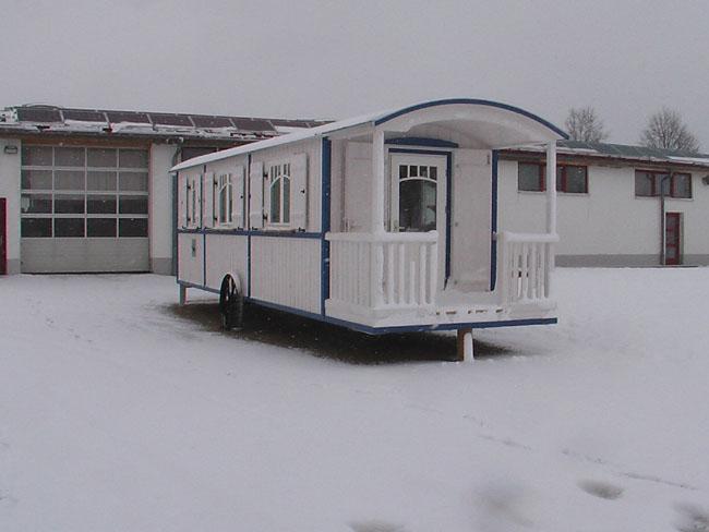 riewa sch ferwagen manufaktur produktion. Black Bedroom Furniture Sets. Home Design Ideas