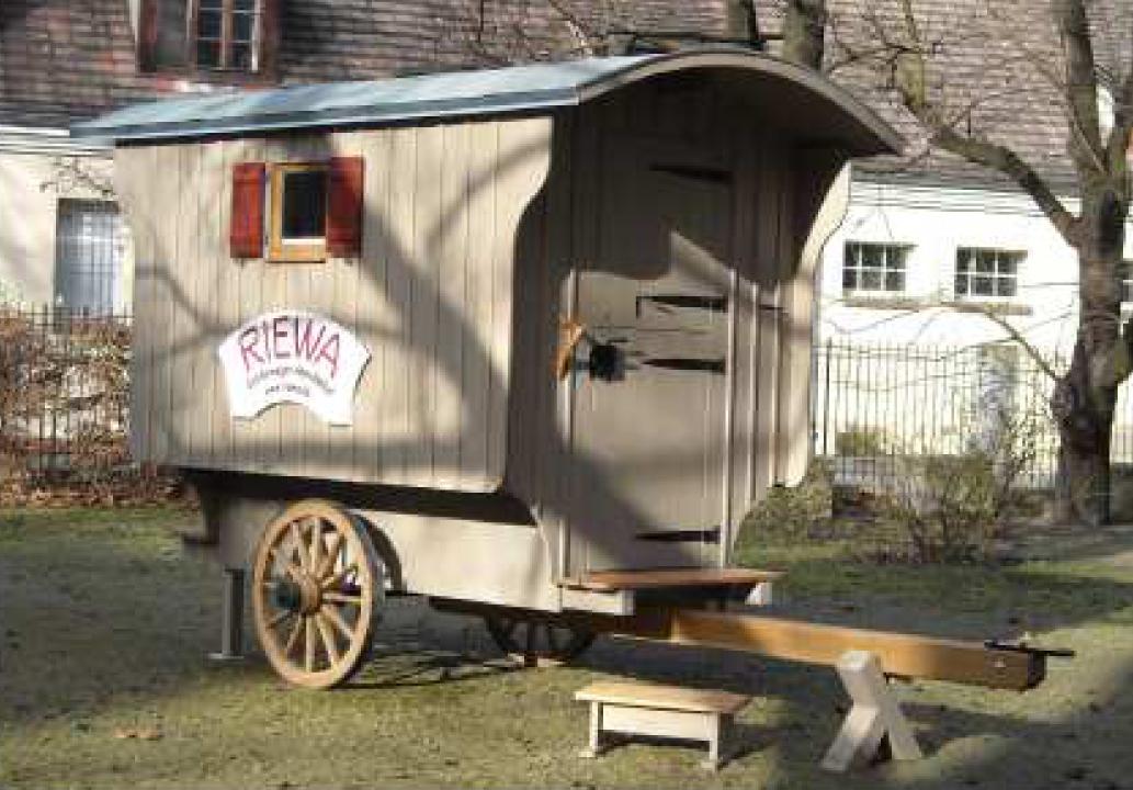 riewa sch ferwagen manufaktur sch ferwagen traktorist. Black Bedroom Furniture Sets. Home Design Ideas
