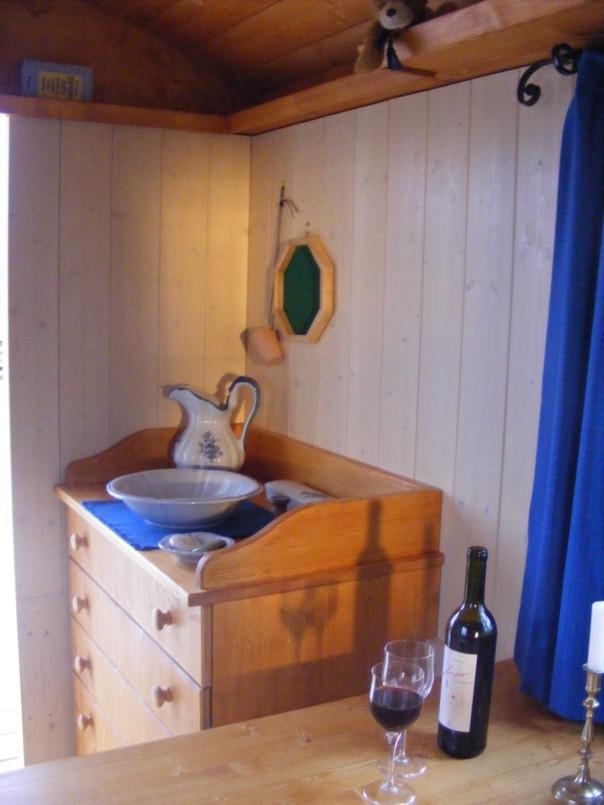 zirkuswagen arktis riewa sch ferwagen manufaktur. Black Bedroom Furniture Sets. Home Design Ideas
